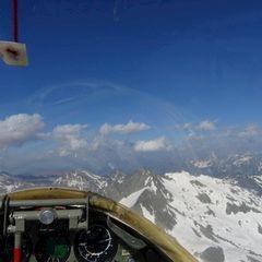 Flugwegposition um 15:24:00: Aufgenommen in der Nähe von Bezirk Surselva, Schweiz in 3058 Meter