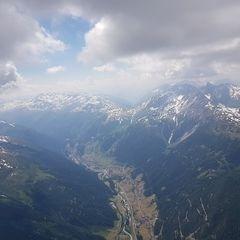 Verortung via Georeferenzierung der Kamera: Aufgenommen in der Nähe von Gemeinde Pettneu am Arlberg, Österreich in 3300 Meter