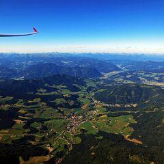 Flugwegposition um 15:31:38: Aufgenommen in der Nähe von Gemeinde Friesach, Österreich in 2356 Meter