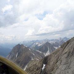 Flugwegposition um 11:55:53: Aufgenommen in der Nähe von Gemeinde Strengen, Österreich in 2795 Meter