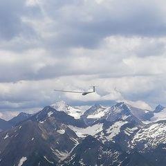 Flugwegposition um 12:32:57: Aufgenommen in der Nähe von Gemeinde Uttendorf, Österreich in 2717 Meter