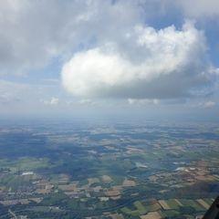 Flugwegposition um 14:57:00: Aufgenommen in der Nähe von Dingolfing-Landau, Deutschland in 1895 Meter