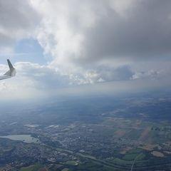 Flugwegposition um 14:56:53: Aufgenommen in der Nähe von Dingolfing-Landau, Deutschland in 1903 Meter