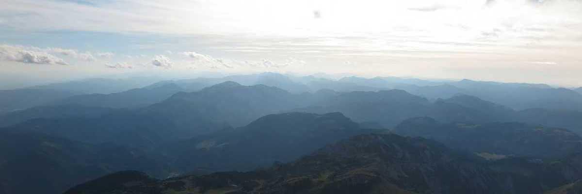 Flugwegposition um 16:06:55: Aufgenommen in der Nähe von Altenberg an der Rax, Österreich in 2469 Meter