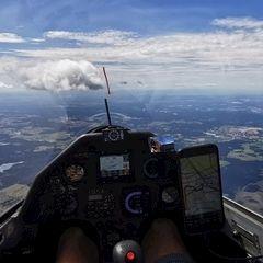Flugwegposition um 11:42:42: Aufgenommen in der Nähe von Okres Jindřichův Hradec, Tschechien in 2630 Meter