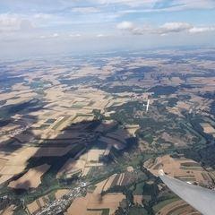 Flugwegposition um 15:08:50: Aufgenommen in der Nähe von Gemeinde Dobersberg, Österreich in 2465 Meter