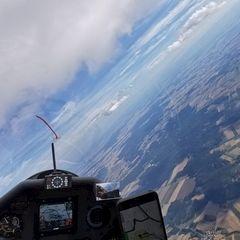 Flugwegposition um 15:09:00: Aufgenommen in der Nähe von Gemeinde Dobersberg, Österreich in 2479 Meter