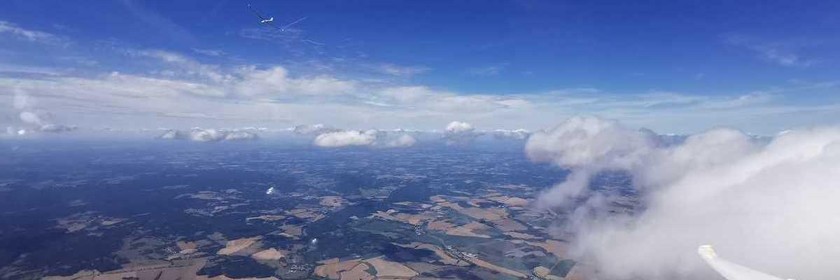 Flugwegposition um 11:28:37: Aufgenommen in der Nähe von Okres Jindřichův Hradec, Tschechien in 2766 Meter