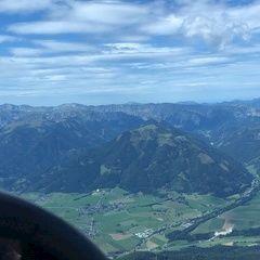 Flugwegposition um 12:48:56: Aufgenommen in der Nähe von Gemeinde St. Lorenzen im Mürztal, St. Lorenzen im Mürztal, Österreich in 2173 Meter