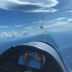 Flugwegposition um 13:49:10: Aufgenommen in der Nähe von Parschlug, Österreich in 2551 Meter