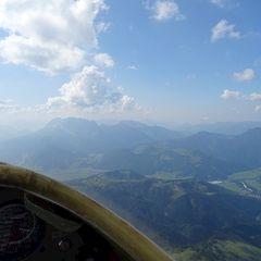 Flugwegposition um 13:17:30: Aufgenommen in der Nähe von Gemeinde Waidring, 6384 Waidring, Österreich in 2227 Meter