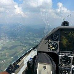Flugwegposition um 13:34:43: Aufgenommen in der Nähe von Gemeinde Tulwitz, Österreich in 1684 Meter