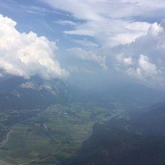Verortung via Georeferenzierung der Kamera: Aufgenommen in der Nähe von Gemeinde Arnoldstein, Arnoldstein, Österreich in 2000 Meter