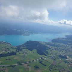 Flugwegposition um 11:47:37: Aufgenommen in der Nähe von Gemeinde Berg im Attergau, Österreich in 1896 Meter