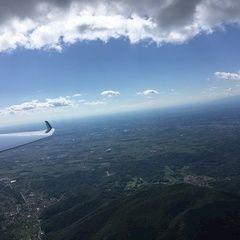 Verortung via Georeferenzierung der Kamera: Aufgenommen in der Nähe von 33040 Faedis, Udine, Italien in 1400 Meter