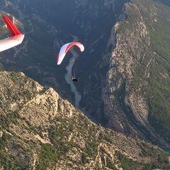 Flugwegposition um 16:45:53: Aufgenommen in der Nähe von Département Alpes-de-Haute-Provence, Frankreich in 1448 Meter