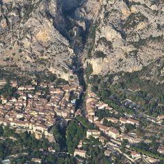 Flugwegposition um 16:35:40: Aufgenommen in der Nähe von Département Alpes-de-Haute-Provence, Frankreich in 1441 Meter
