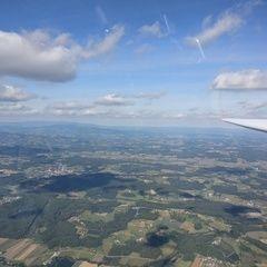 Flugwegposition um 12:53:26: Aufgenommen in der Nähe von Gemeinde Sinabelkirchen, Österreich in 1532 Meter
