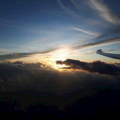 Flugwegposition um 16:39:34: Aufgenommen in der Nähe von Gemeinde Steinach am Brenner, Österreich in 3455 Meter