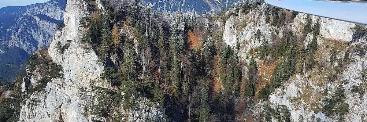 Flugwegposition um 12:07:18: Aufgenommen in der Nähe von Gemeinde Reichenau an der Rax, Österreich in 1276 Meter