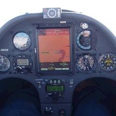 Flugwegposition um 12:42:37: Aufgenommen in der Nähe von Gemeinde Hinterstoder, Hinterstoder, Österreich in 5703 Meter