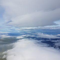 Flugwegposition um 10:12:38: Aufgenommen in der Nähe von Okres Bruntál, Tschechien in 2790 Meter