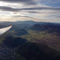 Flugwegposition um 14:00:44: Aufgenommen in der Nähe von Gemeinde Bad Fischau-Brunn, Österreich in 1566 Meter