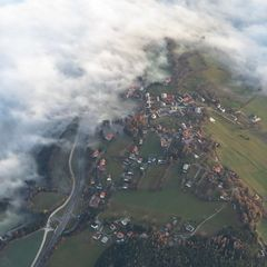 Flugwegposition um 14:01:12: Aufgenommen in der Nähe von Gemeinde Mönichkirchen, Mönichkirchen, Österreich in 2228 Meter