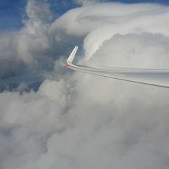 Flugwegposition um 10:48:37: Aufgenommen in der Nähe von Gemeinde Puchberg am Schneeberg, Österreich in 2207 Meter