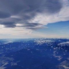 Verortung via Georeferenzierung der Kamera: Aufgenommen in der Nähe von Gemeinde Pitten, Österreich in 0 Meter