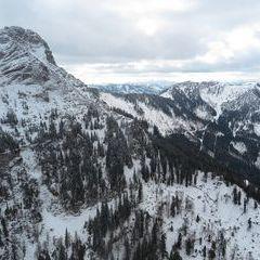 Flugwegposition um 12:30:24: Aufgenommen in der Nähe von Gemeinde Schwarzau im Gebirge, Österreich in 1594 Meter