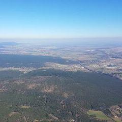Flugwegposition um 10:39:07: Aufgenommen in der Nähe von Gemeinde Bad Fischau-Brunn, Österreich in 1118 Meter