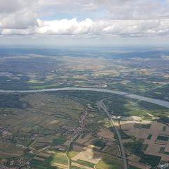 Flugwegposition um 11:59:08: Aufgenommen in der Nähe von Gemeinde Traismauer, Österreich in 1693 Meter