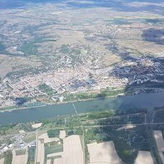 Flugwegposition um 12:05:29: Aufgenommen in der Nähe von Gemeinde Furth bei Göttweig, 3511 Furth bei Göttweig, Österreich in 1727 Meter