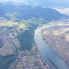 Flugwegposition um 12:06:46: Aufgenommen in der Nähe von Gemeinde Mautern an der Donau, Mautern an der Donau, Österreich in 1717 Meter