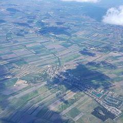 Flugwegposition um 11:25:45: Aufgenommen in der Nähe von Gemeinde Mitterndorf an der Fischa, Österreich in 2453 Meter
