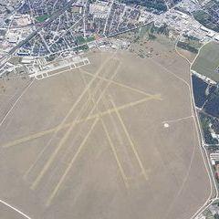 Flugwegposition um 10:57:52: Aufgenommen in der Nähe von Wiener Neustadt, Österreich in 2587 Meter