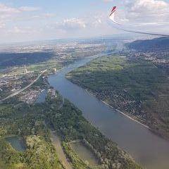 Flugwegposition um 14:52:59: Aufgenommen in der Nähe von Gemeinde Leobendorf, Österreich in 764 Meter