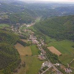 Verortung via Georeferenzierung der Kamera: Aufgenommen in der Nähe von Gemeinde Altenmarkt an der Triesting, Österreich in 1100 Meter
