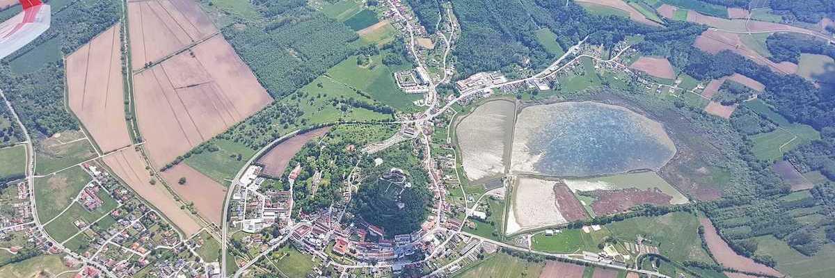 Flugwegposition um 11:04:42: Aufgenommen in der Nähe von Gemeinde Güssing, Güssing, Österreich in 2060 Meter