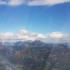 Flugwegposition um 12:01:03: Aufgenommen in der Nähe von Gemeinde Gloggnitz, Gloggnitz, Österreich in 1789 Meter