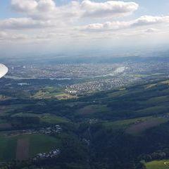 Flugwegposition um 14:35:51: Aufgenommen in der Nähe von Linz, Österreich in 914 Meter