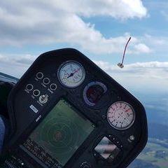 Flugwegposition um 14:42:41: Aufgenommen in der Nähe von Gemeinde Eidenberg, Österreich in 1411 Meter
