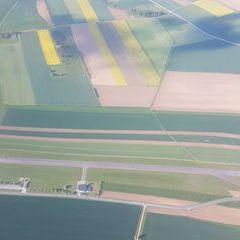 Flugwegposition um 15:44:25: Aufgenommen in der Nähe von Gemeinde Dobersberg, Österreich in 1290 Meter