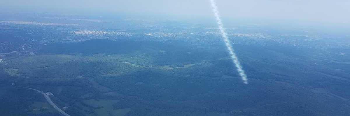 Verortung via Georeferenzierung der Kamera: Aufgenommen in der Nähe von Gemeinde Purkersdorf, Purkersdorf, Österreich in 1300 Meter