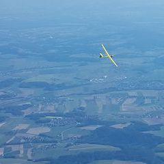 Flugwegposition um 15:12:43: Aufgenommen in der Nähe von Gemeinde Neumarkt im Mühlkreis, Österreich in 1710 Meter