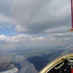 Flugwegposition um 13:23:06: Aufgenommen in der Nähe von Okres Český Krumlov, Tschechien in 1940 Meter