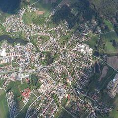 Flugwegposition um 13:59:25: Aufgenommen in der Nähe von Gemeinde Heidenreichstein, Österreich in 1739 Meter