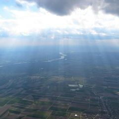 Flugwegposition um 15:04:58: Aufgenommen in der Nähe von Gemeinde Stetteldorf am Wagram, Österreich in 1783 Meter
