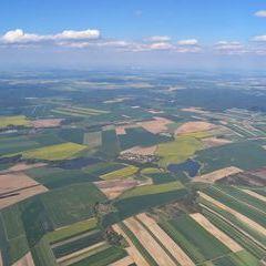 Flugwegposition um 14:24:48: Aufgenommen in der Nähe von Gemeinde Langau bei Geras, 2091 Langau bei Geras, Österreich in 1703 Meter